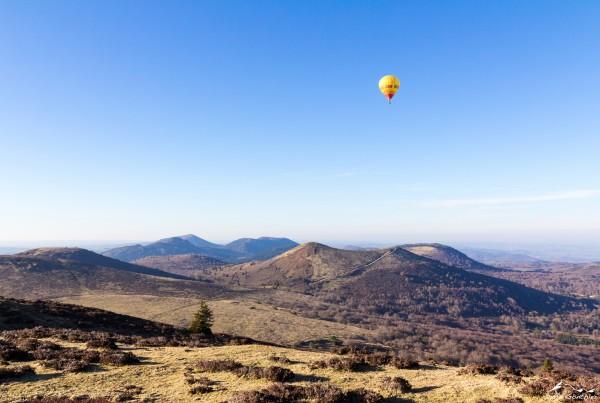 Montgolfière au dessus du Pariou - Entre Lacs et Volcans